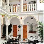 Muy bonito patio del Hotel
