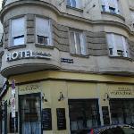 Au coin de l'hôtel, rue Mozartgasse