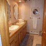 Odyssey Room Bath