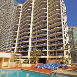 Photo de Surf Regency Apartments