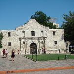 L'hôtel est situé juste derrière l'Alamo