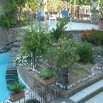 Gli scalini dalla piscina