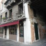 Restaurant at the corner of Calle del Sturion