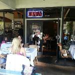 young and trendy lunch crowd enjoying the Palo Alto climate at the patio