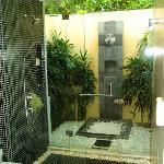 Villa G Bathroom