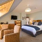 Five luxurious bedrooms, if you want to make a night of it.