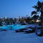 toujours la piscine by night