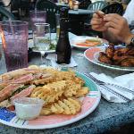 Thunfisch und Chicken Wings
