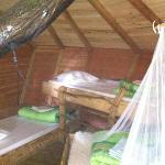 intérieur d'une cabane pour 4