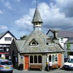 The pretty market town of Chagford is nearby