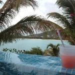 drinks in the plunge pool!