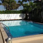 super clean pool