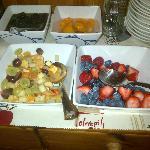 Breakfast fruit buffet