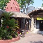 Maharani Zoo & Caves