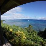 部屋のベランダから眺めるソモソモ海峡