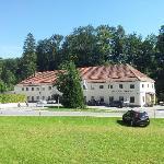 Klosterschänke von der Wiese gegenüber gesehen
