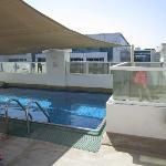 petite piscine sur la terrasse