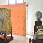 Photo de Chao Sam Phraya Museum