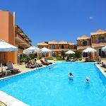 Photo of Avantis Suites Hotel
