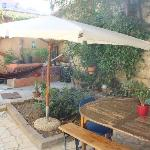 Il giardino/terrazza dove si consuma la colazione