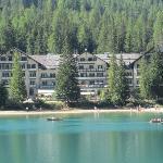 hotel in riva al lago