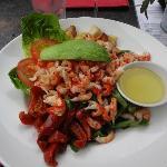 Shrimp and avocado salad with lemon oil dressing