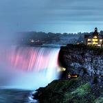 The Table Rock centre sits atop the brink of the Horseshoe Falls, providing the perfect view