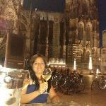 """un """"prosit"""" sotto la cattedrale di Köln"""
