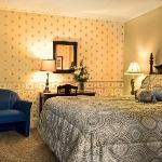 Inn King Guest Room