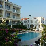hotel cachet dalla zona piscina