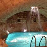 Grotta con idromassaggio della spa