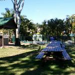 BBQ area & outdoor pool