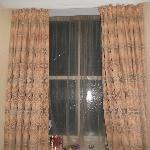 minus 2 floor window at 4pm