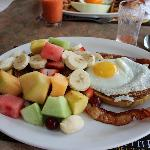 """Breakfast au Tutti Frutti, beaucoup mieaux que """"Les 2 Lions"""""""