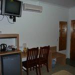 BW desk area