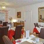 Anchorage guest house  - dining room.