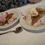Dessert tarte aux pommes et glace maison (fraise et vanille)