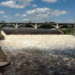 Mighty Mississippi flowing over the 'Falls'