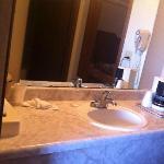 Sink area in between the bedrooms.