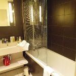 Room A - bathroom 2