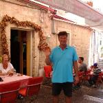 Restaurant Konoba Pizzaria 'Peline' with co-owner Mario