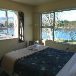 Lakeside Motel - Corner Suite
