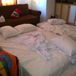 Matrassen in woonkamer ivm onvoldoende capaciteit airco