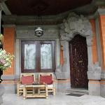 部屋の玄関兼バルコニー