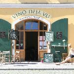 sympathique restaurant avec de très bons vins locaux