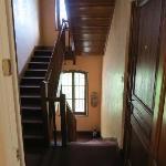 Escaliers desservant les chambres