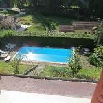 La piscine vue de la chambre ALBA