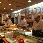 Photo de Umegaoka Sushi No Midori Sohonten Shibuya