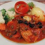 Chicken Breast in Tomato Sauce with Olives & Capers