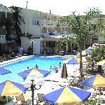 La première piscine